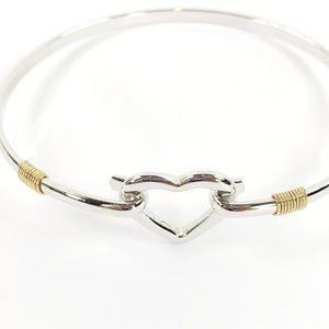 Heart wire bangle bracelet